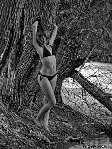 Смотреть онлайн порно днвушка с деревом